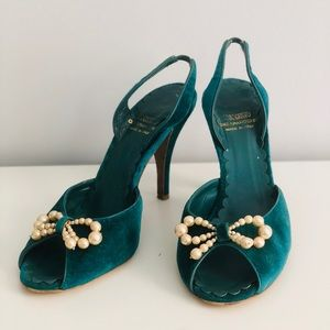 Moschino Cheap&Chic Green Velvet Pumps